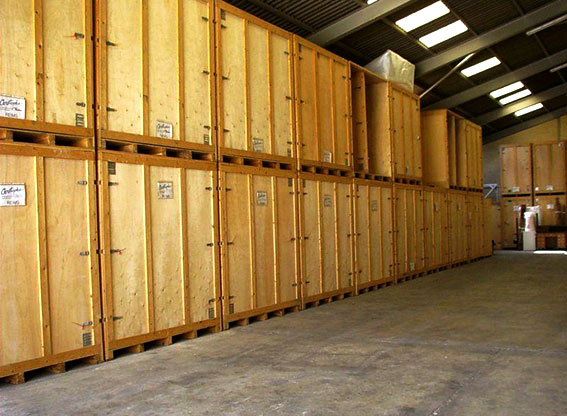 self storage, to rent space to store things, warehouse for changes, box to rent furniture deposit, container furniture, individual box, private box